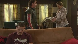 Toadie Rebecchi, Lucas Fitzgerald, Sonya Mitchell in Neighbours Episode 6257