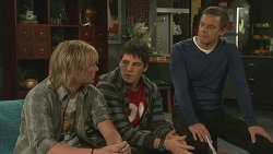 Andrew Robinson, Chris Pappas, Paul Robinson in Neighbours Episode 6260