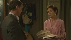 Paul Robinson, Susan Kennedy in Neighbours Episode 6263