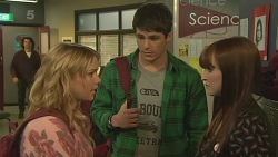 Natasha Williams, Chris Pappas, Summer Hoyland in Neighbours Episode 6266