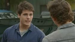 Chris Pappas, Lucas Fitzgerald in Neighbours Episode 6270
