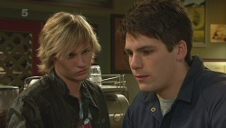 Andrew Robinson, Chris Pappas in Neighbours Episode 6270