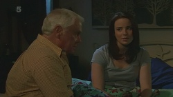 Lou Carpenter, Kate Ramsay in Neighbours Episode 6272