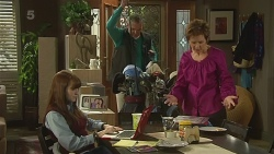 Summer Hoyland, Karl Kennedy, Susan Kennedy in Neighbours Episode 6272