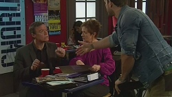 Paul Robinson, Susan Kennedy, Dane Canning in Neighbours Episode 6273