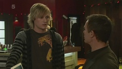 Andrew Robinson, Paul Robinson in Neighbours Episode 6274