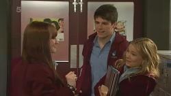 Summer Hoyland, Chris Pappas, Natasha Williams in Neighbours Episode 6276