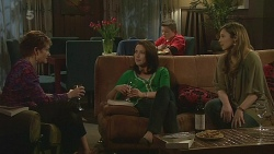 Susan Kennedy, Kate Ramsay, Callum Jones, Sonya Mitchell in Neighbours Episode 6279