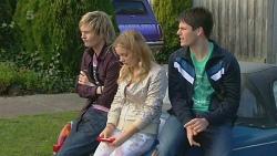 Andrew Robinson, Natasha Williams, Chris Pappas in Neighbours Episode 6281