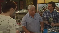 Kate Ramsay, Lou Carpenter, Lucas Fitzgerald in Neighbours Episode 6281