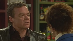 Paul Robinson, Susan Kennedy in Neighbours Episode 6282