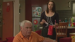 Lou Carpenter, Kate Ramsay in Neighbours Episode 6284