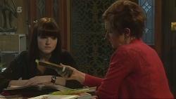 Summer Hoyland, Susan Kennedy in Neighbours Episode 6288