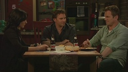 Emilia Jovanovic, Lucas Fitzgerald, Michael Williams in Neighbours Episode 6288