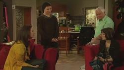 Kate Ramsay, Noah Parkin, Lou Carpenter, Sophie Ramsay in Neighbours Episode 6291