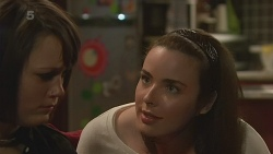 Sophie Ramsay, Kate Ramsay in Neighbours Episode 6292