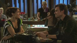 Lucy Myers, Rhys Lawson in Neighbours Episode 6292