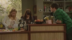 Natasha Williams, Summer Hoyland, Chris Pappas in Neighbours Episode 6294