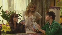 Summer Hoyland, Natasha Williams, Chris Pappas in Neighbours Episode 6294