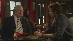 Martin Chambers, Rhys Lawson in Neighbours Episode 6295