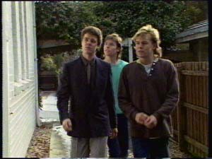 Paul Robinson, Mike Young, Scott Robinson in Neighbours Episode 0306