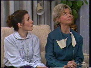 Kate Gibbons, Helen Daniels in Neighbours Episode 0306