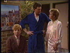 Eileen Clarke, Des Clarke, Daphne Clarke in Neighbours Episode 0307