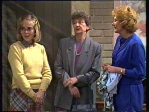 Jane Harris, Nell Mangel, Madge Mitchell in Neighbours Episode 0308