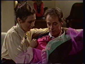 Kate Gibbons, Graham Gibbons in Neighbours Episode 0308