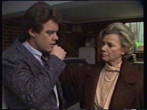 Paul Robinson, Helen Daniels in Neighbours Episode 0309