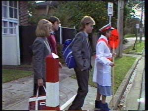 Jane Harris, Mike Young, Scott Robinson, Nell Mangel in Neighbours Episode 0309