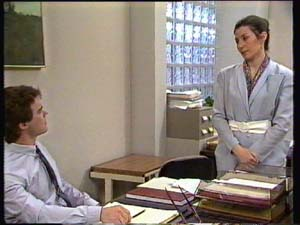Paul Robinson, Kate Gibbons in Neighbours Episode 0309