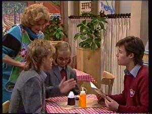 Madge Bishop, Scott Robinson, Jane Harris, Mike Young in Neighbours Episode 0309