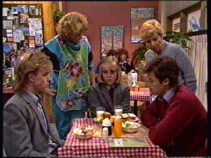 Scott Robinson, Madge Mitchell, Eileen Clarke, Jane Harris, Mike Young in Neighbours Episode 0310