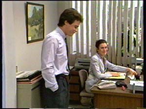 Kate Gibbons, Paul Robinson in Neighbours Episode 0310