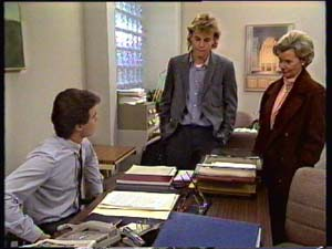 Paul Robinson, Scott Robinson, Helen Daniels in Neighbours Episode 0310