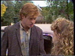 Clive Gibbons, Charlene Mitchell in Neighbours Episode 0310