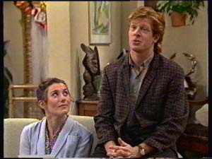 Kate Gibbons, Clive Gibbons in Neighbours Episode 0310