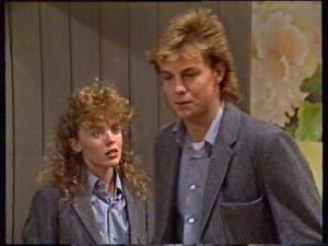 Charlene Mitchell, Scott Robinson in Neighbours Episode 0310