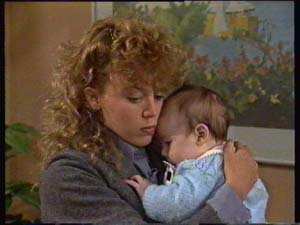 Charlene Mitchell, Sam Cole in Neighbours Episode 0310