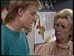 Scott Robinson, Helen Daniels in Neighbours Episode 0311