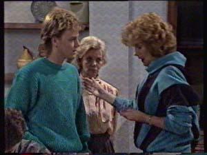 Scott Robinson, Helen Daniels, Madge Bishop in Neighbours Episode 0311