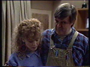 Charlene Mitchell, Tom Ramsay in Neighbours Episode 0311