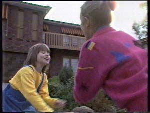 Vicki Gibbons, Lucy Robinson in Neighbours Episode 0313
