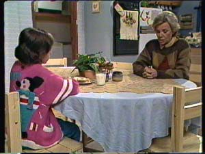 Lucy Robinson, Helen Daniels in Neighbours Episode 0316