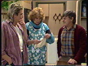 Shane Ramsay, Madge Mitchell, Tom Ramsay in Neighbours Episode 0316
