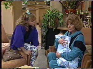 Charlene Mitchell, Madge Mitchell, Sam Cole in Neighbours Episode 0316