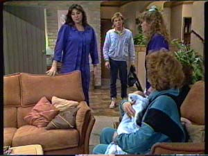 Susan Cole, Scott Robinson, Charlene Mitchell, Sam Cole, Madge Mitchell in Neighbours Episode 0316
