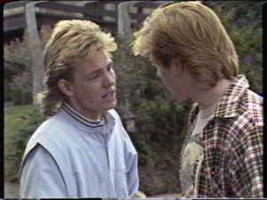 Scott Robinson, Clive Gibbons in Neighbours Episode 0317