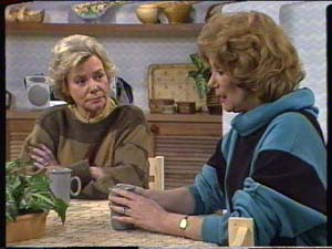 Helen Daniels, Madge Mitchell in Neighbours Episode 0317